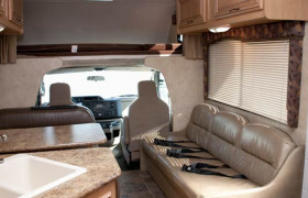 El Monte RV reviews. El Monte RV Rentals Interior