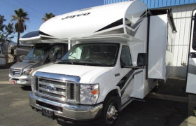 All Valley RV Center Inc. reviews.